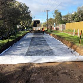 Geogrid for pavement